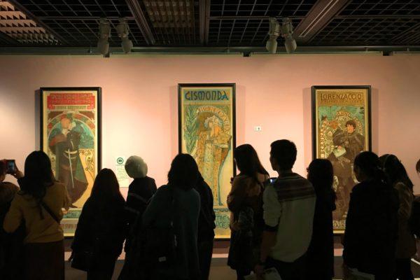 「ミュシャ展」 浮世絵からアールヌーボー、ポップアート、少女漫画、そして与謝野晶子。